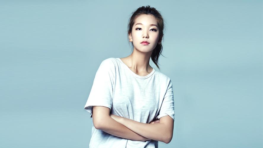 'Holly Moly 자기소개라니' / 모델 이호정
