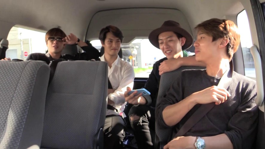 CNBLUE's way to the hotel