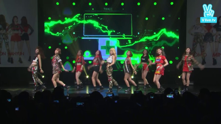 "[V]TWICE OOH-AHH! 1ST SHOWCASE-""Like OOH-AHH"" LIVE"