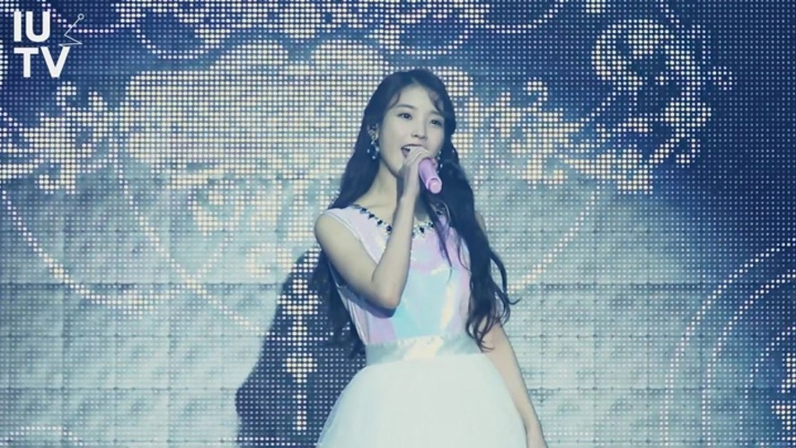 IU(아이유) 2015  Tour Concert 'CHAT-SHIRE' Sketch