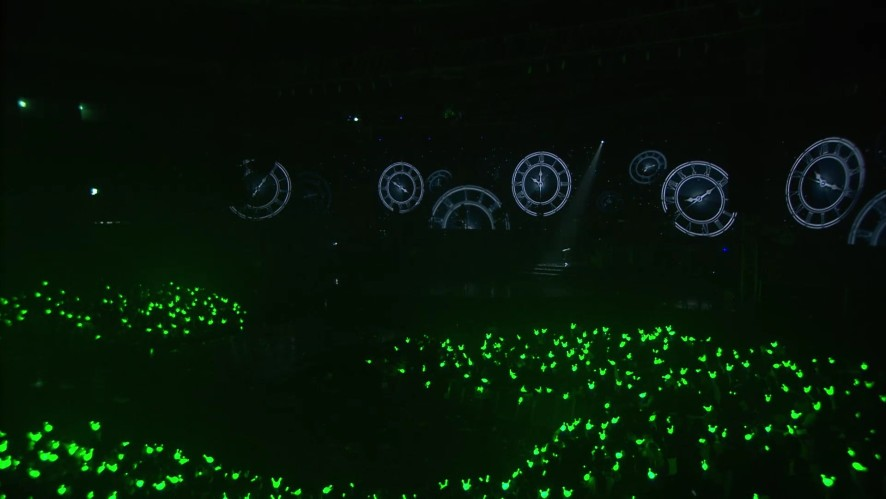 B.A.P solo stages @ LOE 2016 - BGM '지금 (Now)' by Jong Up