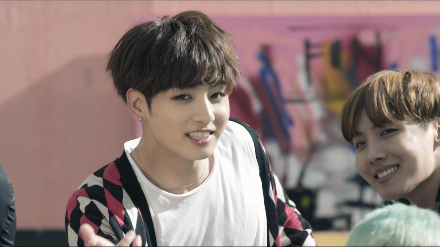 방탄소년단(BTS) '불타오르네 (FIRE)' MV Teaser