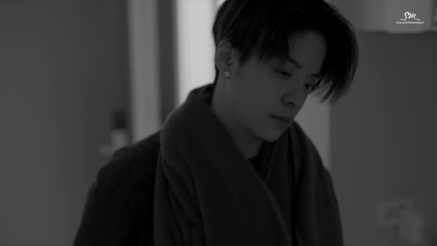 엠버_On My Own (Feat.Gen Neo) (Korean ver.)_Music Video