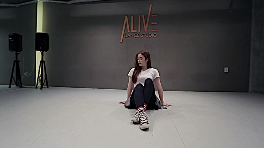 DIA 다이아 은진 (EUNJIN)_현아(HYUNA) - 빨개요(RED) Cover Dance