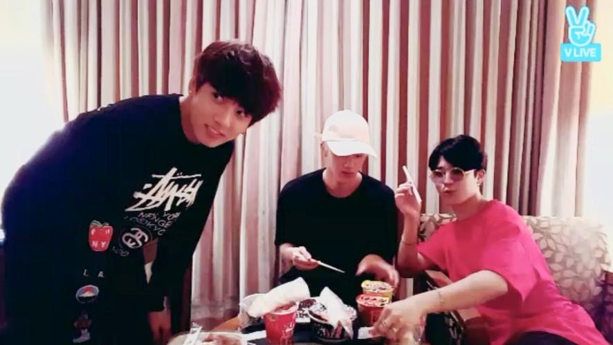 BTS Live in Osaka (만다꼬 + Eat Jin)