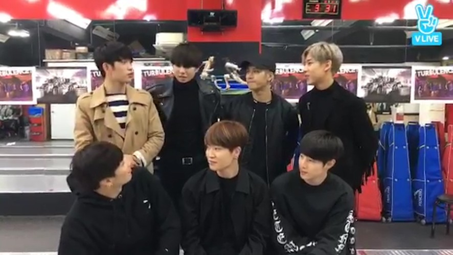 [GOT7] 오늘 조합 최고네요,,(Youngjae's comeback&Mark's black hair&Fencing)