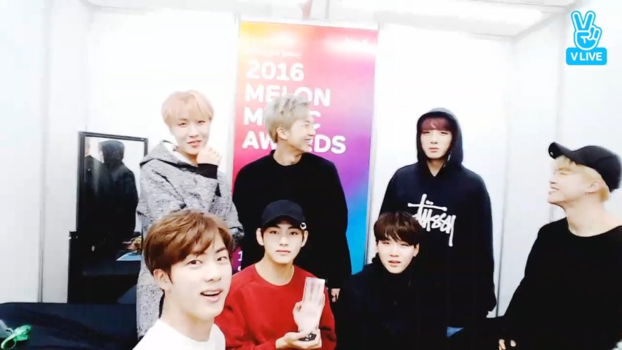 [BTS] 오늘의 명언 : 기쁨의 눈물은 뜨겁다(Tears of joy are hot - JIN)