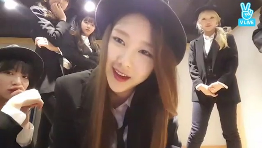 [OH MY GIRL] 옴보이들의 007빵😵(OH MY GIRL playing games)