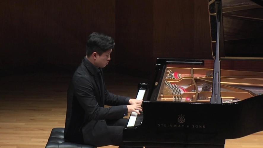 피아니스트 박진우 - 라벨 : 물의 유희