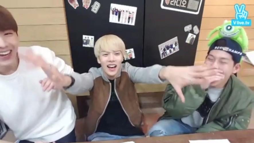 [1년 전 오늘의 MONSTA X] 명예 랩라 민뭉스웩 켠찌스웩~🤘 (MinHyuk&KiHyun learning rap from JooHeon)