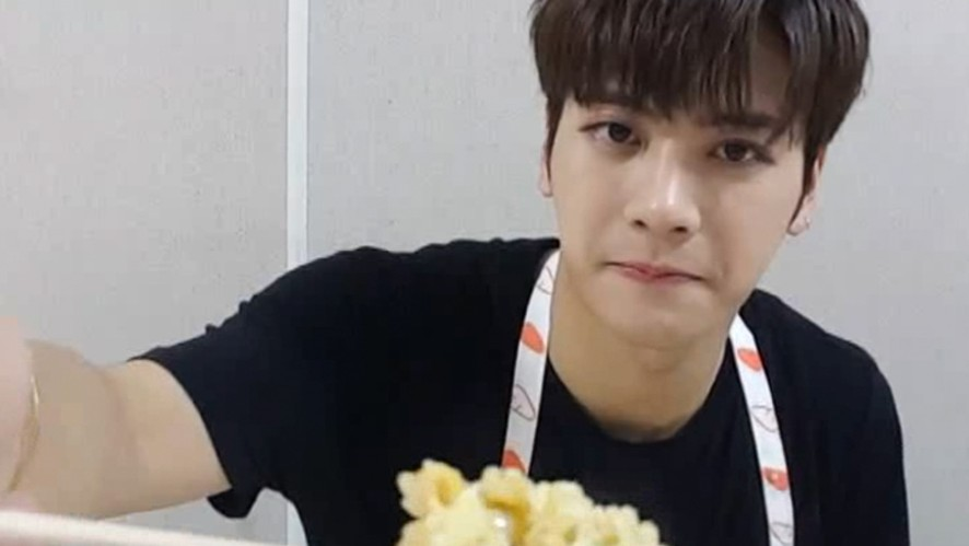 [CH+ mini replay] 잭슨의 'Never Ever' Cooking Time  Jackson's 'Never Ever' Cooking Time