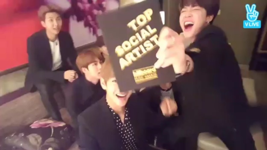 [BTS] 🏆빌보들어가서 상탄소년단🏆 (BTS won the BBMAs!)