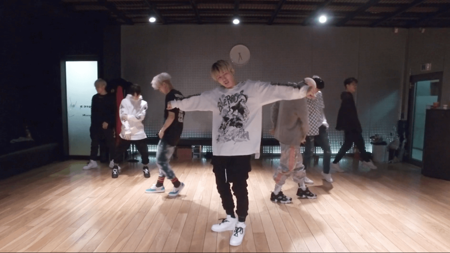 iKON - '벌떼 (B-DAY)' DANCE PRACTICE VIDEO