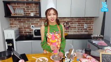 [CLC] 과연 은빈이는 요알못 탈출 성공했을까..❓ (Eunbin making a cookie tiramisu cake)