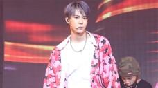 [직캠#DOYOUNG] NCT 127_Cherry Bomb