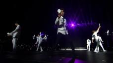 [TOURGRAM Gift VOD] LA 콘서트 실황① 'LOVE ME RIGHT' (LA Live concert footage)