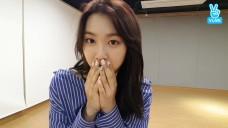 [OH MY GIRL] 지호와 밀당을 하는 기계! 샐리를 소개합니다🐣 (Jiho introducing her new firiend)