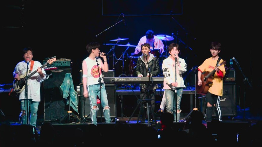 [LIVE] TheEastLight. - One Call Away ( Charlie Puth Cover) 라이브 클럽 데이 직캠
