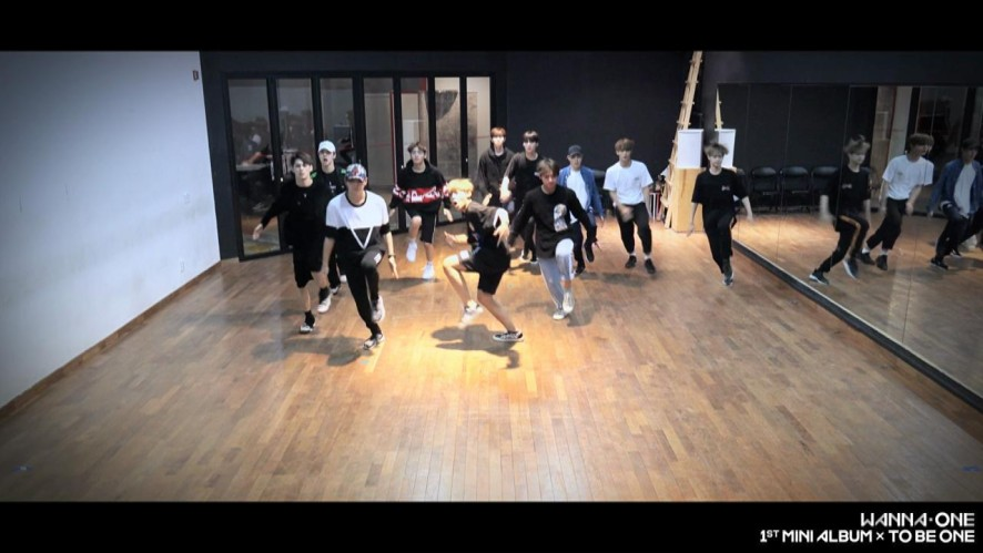 Wanna One - '활활(Burn It Up)' Practice Ver.