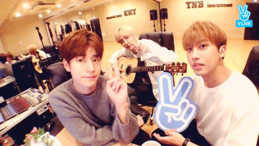 [KNK] 후짜라 부짜라 샐리야! 크나큰 노크 틀어줘!🐤 (KNK playing with WAVE)