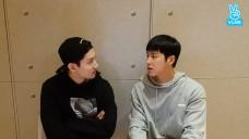 [TVXQ!] 4차 산업혁명을 준비하는 동방신기의 첫 쁘이라이브✌️ (TVXQ!'s first V)