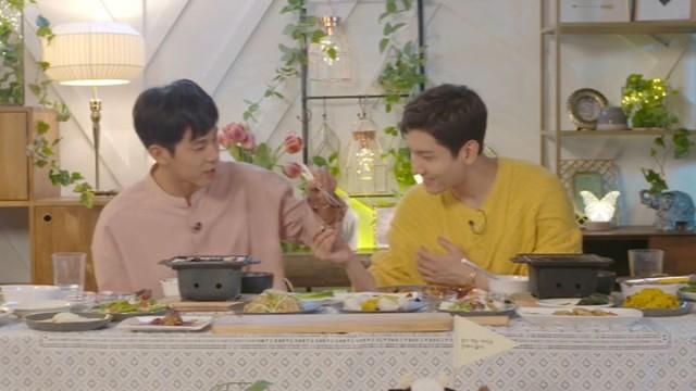 [TVXQ!] 4차산업 혁명시대엔 꼭 마르지 않는 버섯물을 개발해주세요...🍄🙏 (TVXQ!'s eating show)