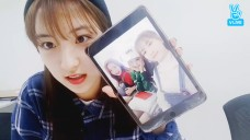 [WJSN] 포토그래떠님..사진 좀 풀어주세요 plz..(EUNSEO showing her photos in her pad)