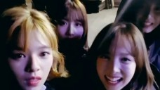 [TWICE] 아직은 감춰 나봉 댕댕 이름 꾹꾹~💓 (feat. 명언봇 조쯔위) (Nayeon talking about her puppy)